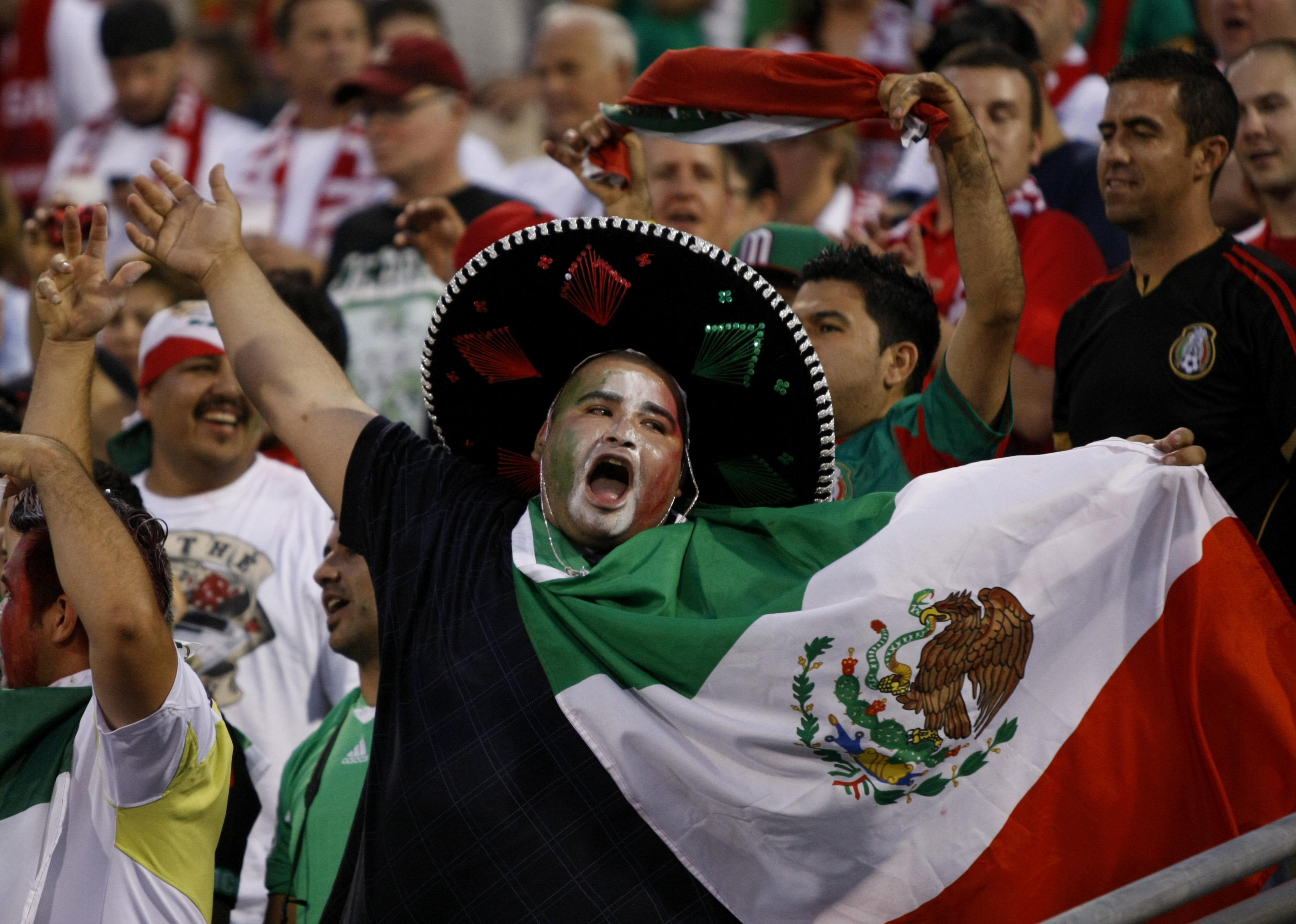 FBL-WC2014-QUALIFIER-USA-MEX