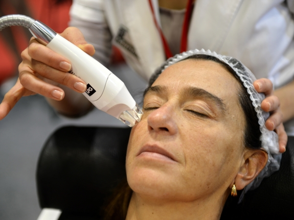 Anti Aging Solutions And The Scientists Who Love Them