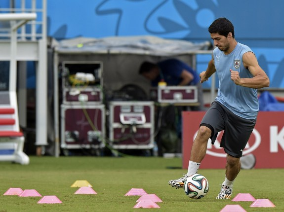 FBL-WC-2014-URU-TRAINING