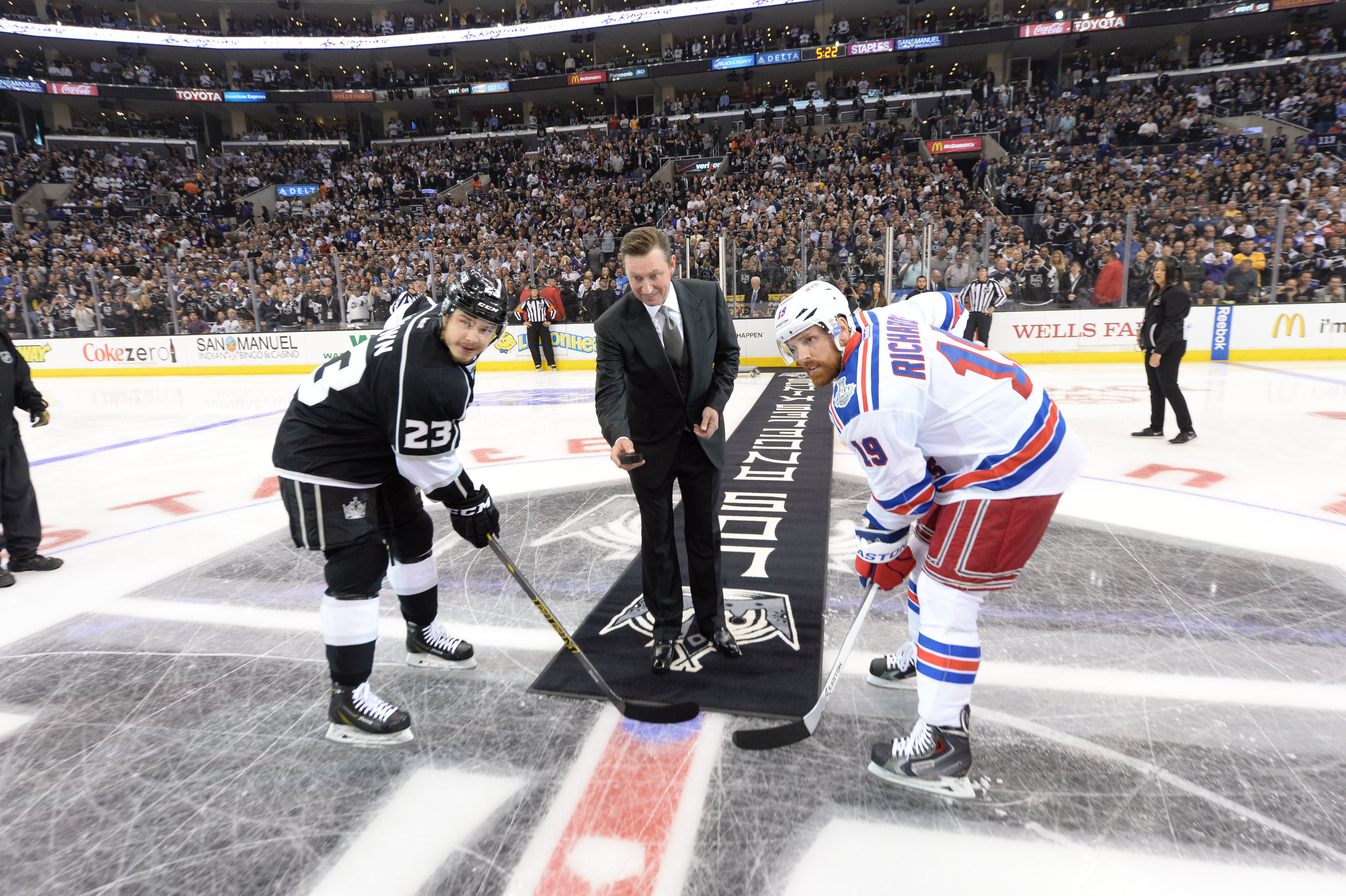 2014 NHL Stanley Cup Final – Game One