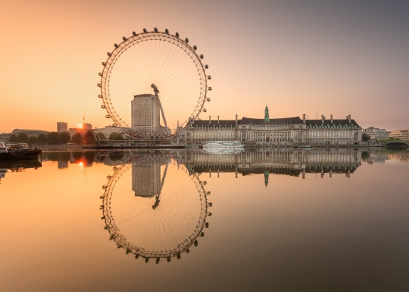 Millenium Wheel at sunrise