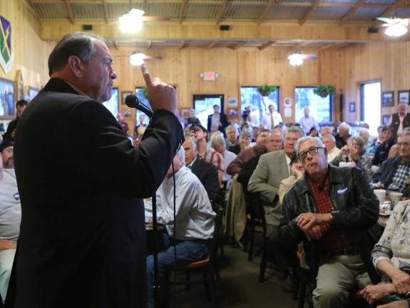 Mike Huckabee speaks at the Smok'n Pig restaurant on Oct. 31, 2014, in Valdosta, Georgia.