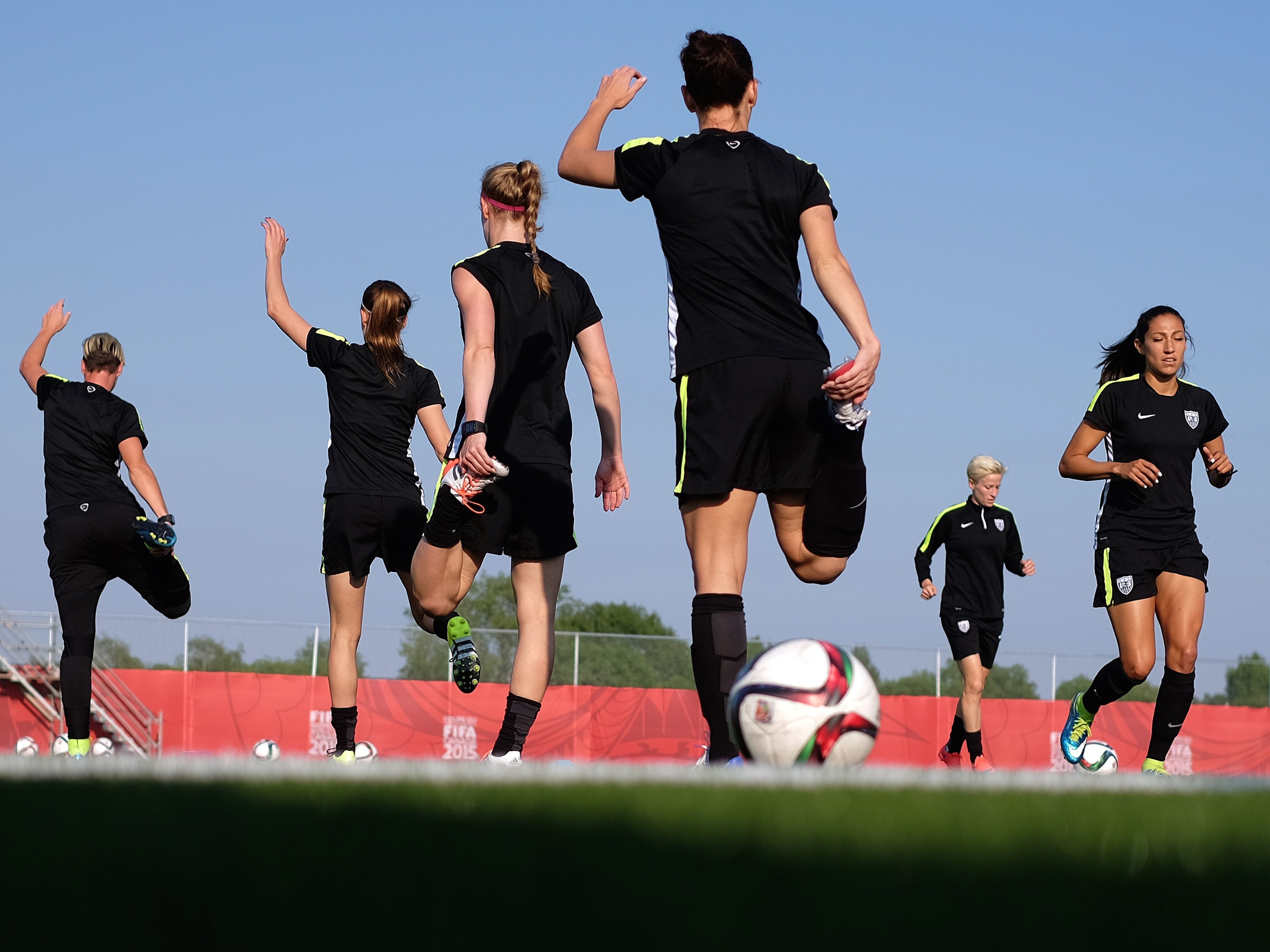 FBL-WC-2015-WOMEN-US-TRAINING