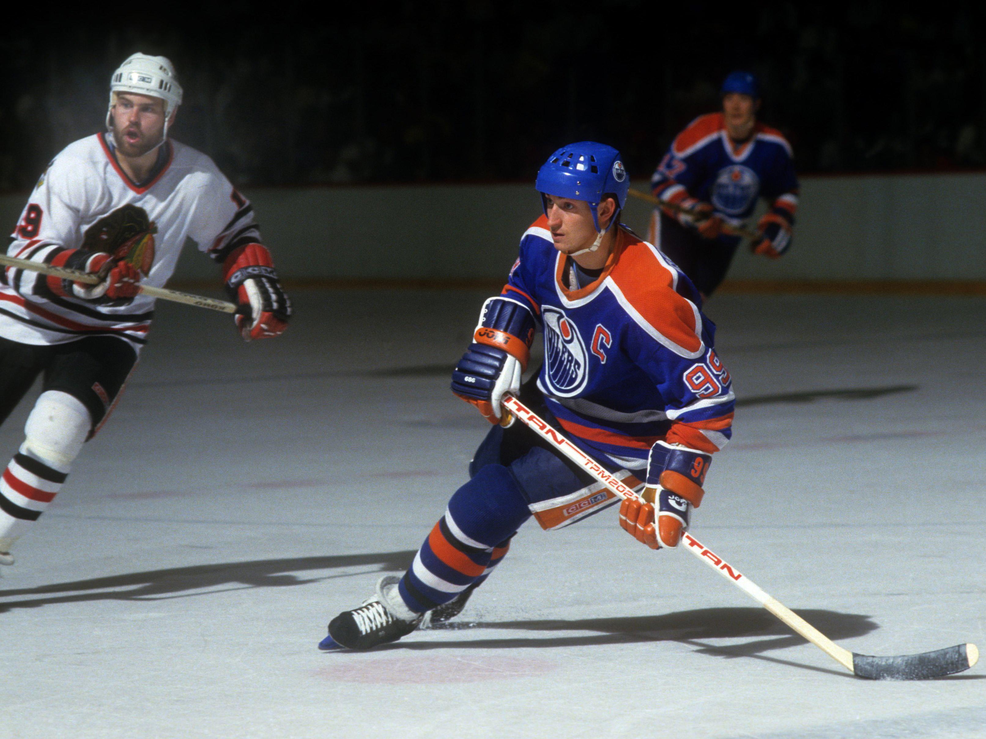 1985 Western Conference Finals:  Edmonton Oilers v Chicago Blackhawks