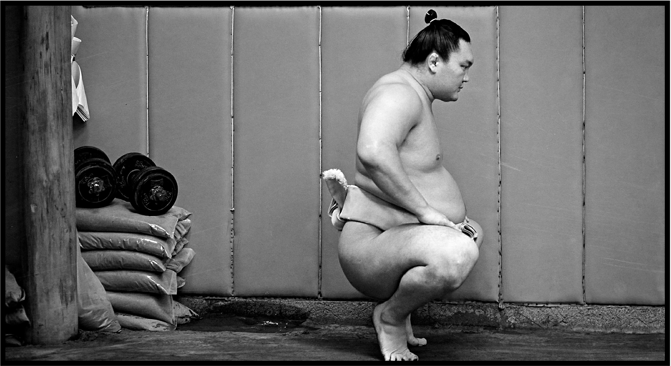 Hakuho trains in 2014.