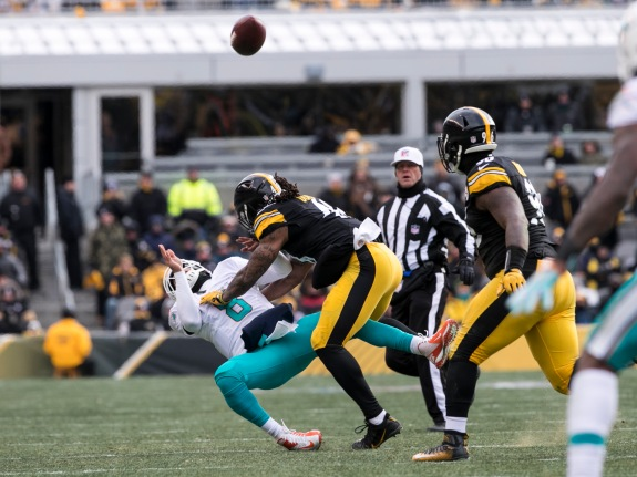 NFL: JAN 08 AFC Wild Card – Dolphins at Steelers