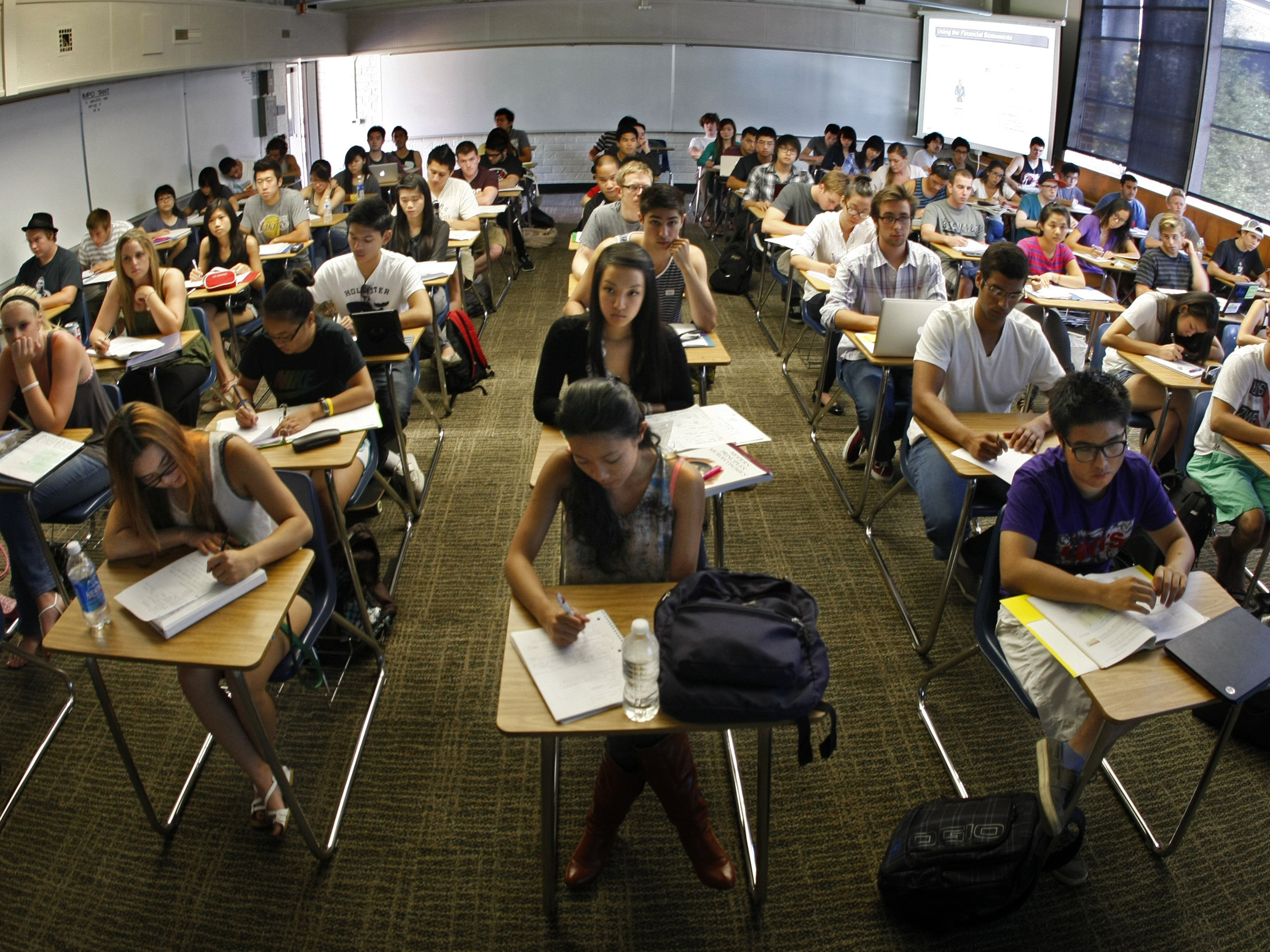 SEPTEMBER 10 2012. COSTA MESA, CA. Every desk is taken in professor Jeanne (cq) Neil's Accounting 10