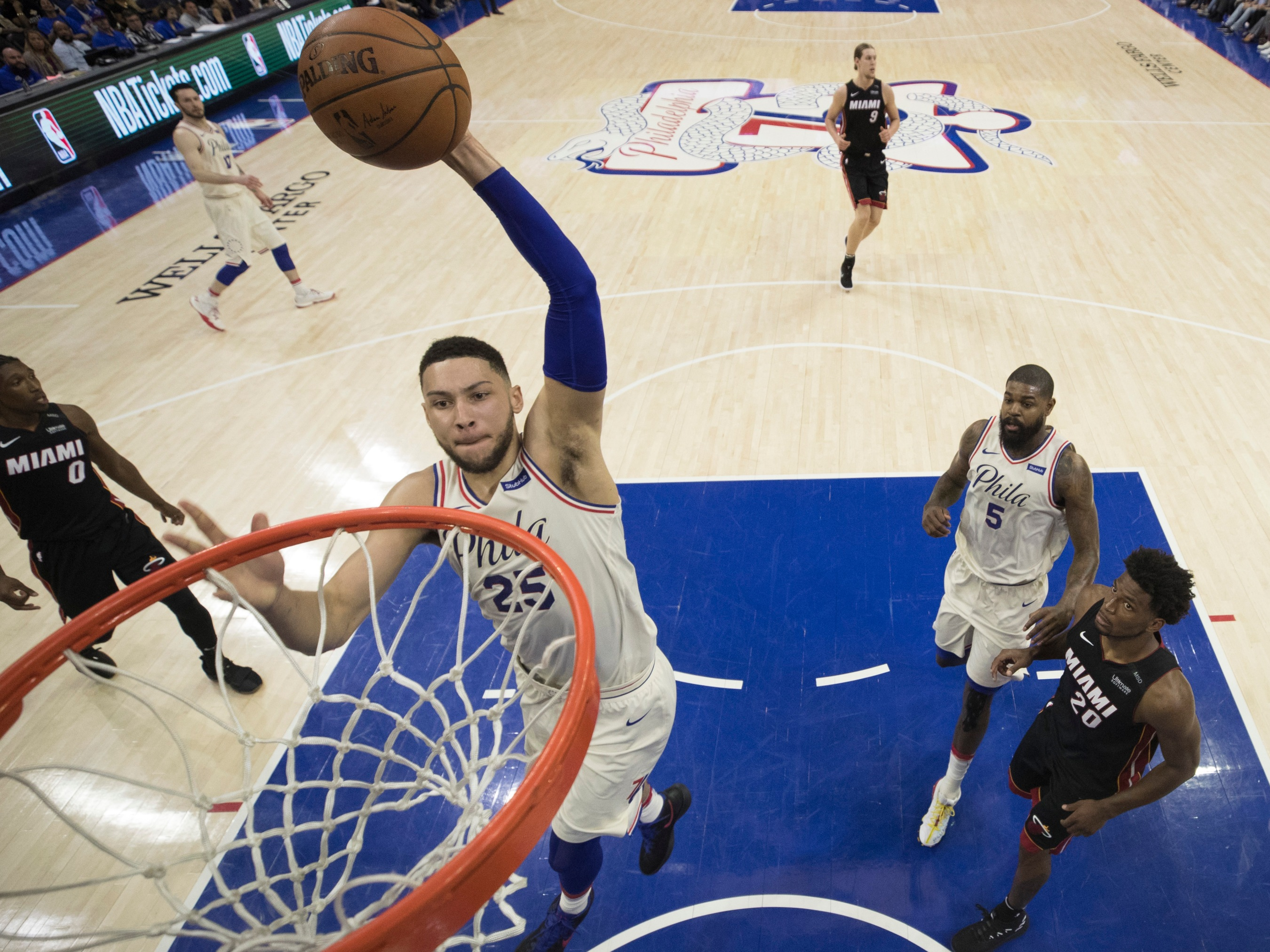How Ben Simmons And The Sixers Are Outsmarting Defenders ... a19b4f990