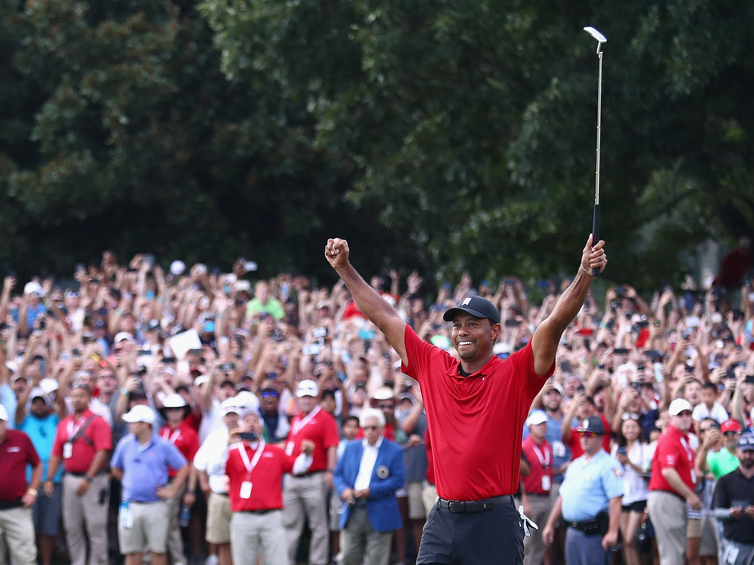 Tiger Woods Gets First PGA Tour Victory Since 2013