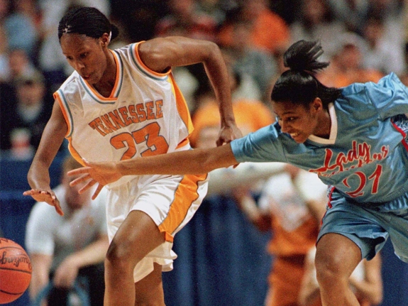 TENNESSEE'S HOLDSCLAW LEADS VOLS TO EARLY LEAD