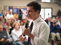 Democratic Presidential Candidate Pete Buttigieg Campaigns In Iowa