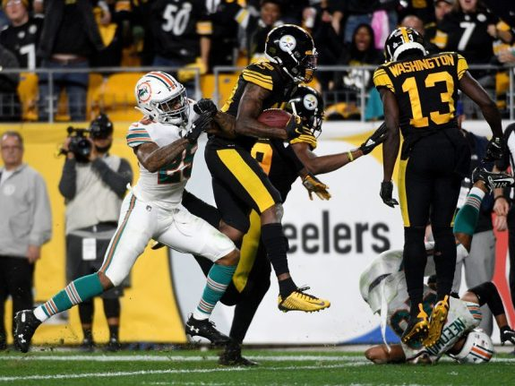 Miami Dolphins v Pittsburgh Steelers