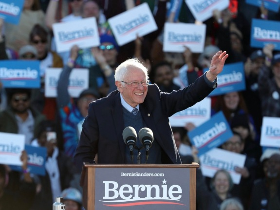 At huge Grant Park rally, Bernie Sanders tries to recapture front-runner status