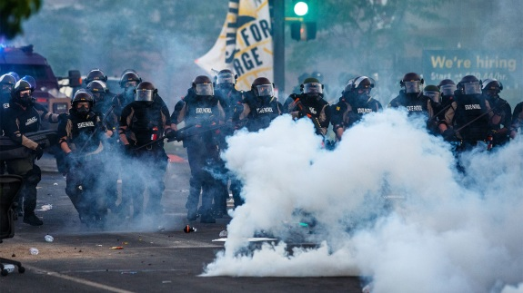 De-Escalation Keeps Protesters and Police Safer