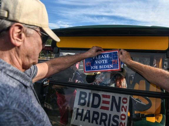 US-POLITICS-VOTE-DEMOCRATS-SUPPORTERS