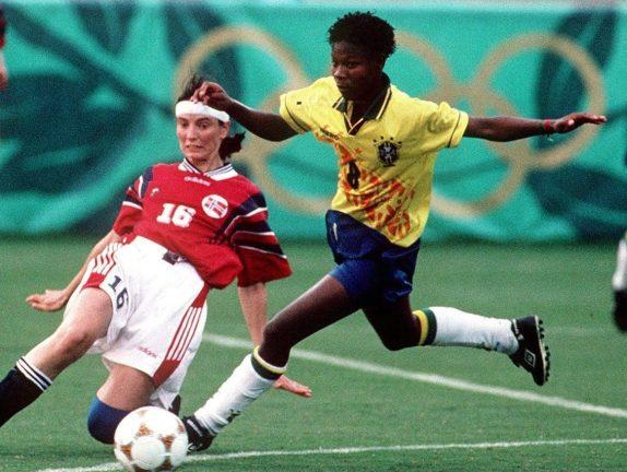 FUSSBALL: Frauen BRA