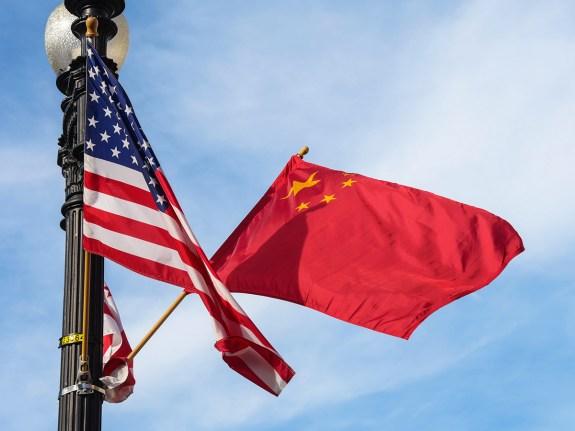 Xinhua Headlines: Xi holds extensive strategic communication with Biden
